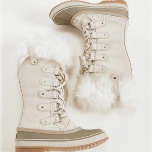 NEW Women's Joan of Arctic Boots